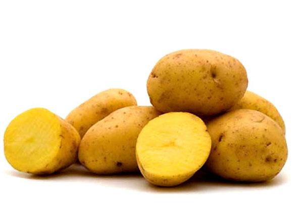 Thật tuyệt vời khi được chăm sóc làn da, trị mụn đầu đen hiệu quả với khoai tây