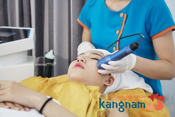 Cách điều trị mụn cám bằng oxy-led hiệu quả thế nào2