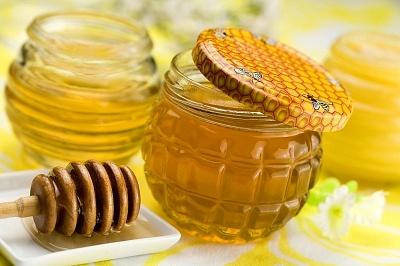 Cách trị mụn hiệu quả nhanh nhất từ mật ong và chanh