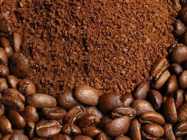 trị mụn đầu đen bằng cám gạo và cà phê