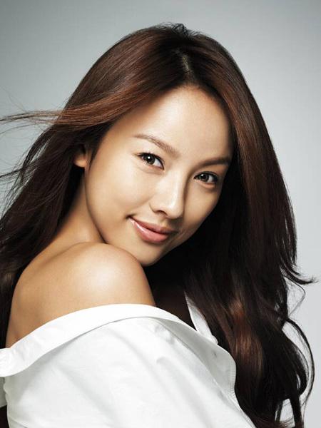 hoc cach tri mun dau den cua Lee Hyori