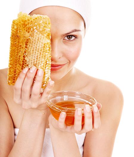 Lợi ích bất ngờ của mật ong trị mụn đầu đen nhanh nhất