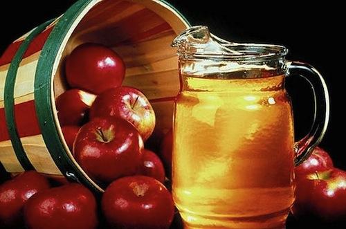 Táo và mật ong trị mụn hiệu quả