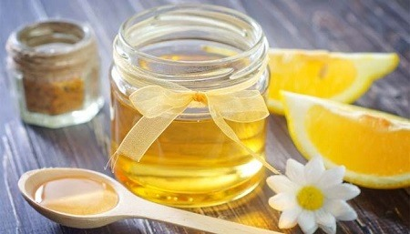 trị mụn bằng mật ong và chanh 3