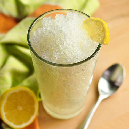 Trị mụn đầu đen đơn giản với nước chanh và đường